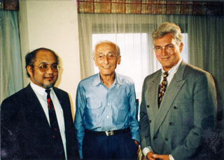 Jacques Cousteau at the 1992 Earth Summit, flanked by H. E. the late Bernard Dowiyogo, President of Nauru, and Professor Davis