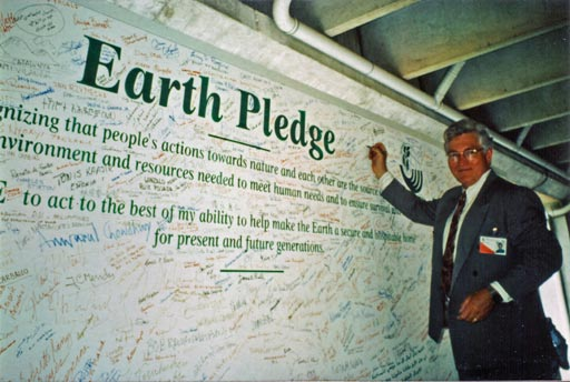Professor Davis signs the Earth Pledge at the 1992 Earth Summit in Rio de Janeiro